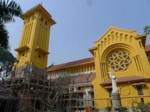 改修中のハノイの北門協会
